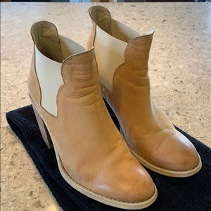Kurt Geiger Carvela Tan Leather Booties Size 37